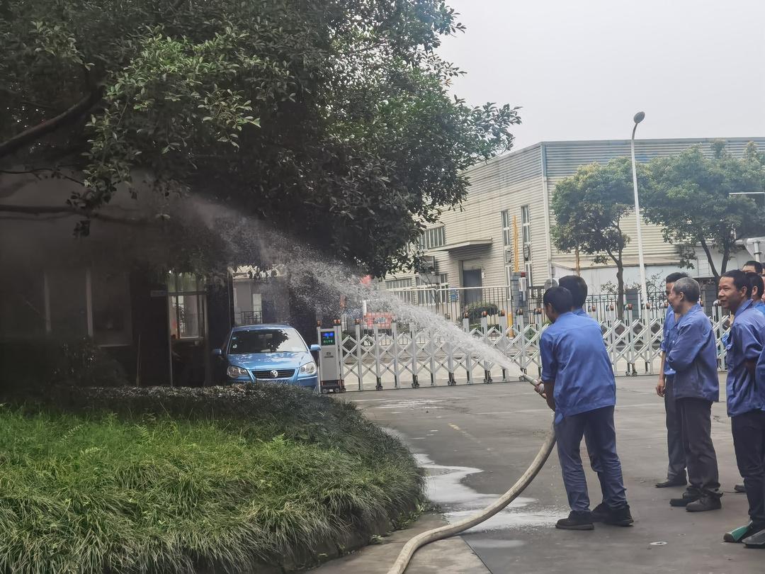 消防栓使用展示.jpg